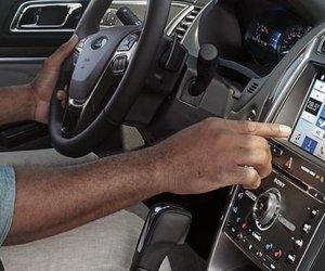 Đánh giá xe Ford Explorer 2019: Bảng điều khiển.