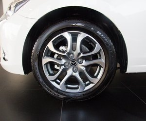Ảnh chụp vành xe Mazda 2 2019-2020
