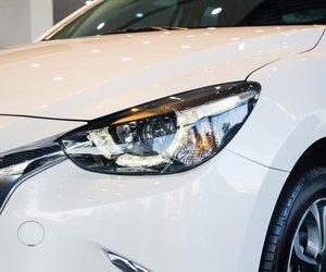 Ảnh chụp đèn pha xe Mazda 2 2019-2020