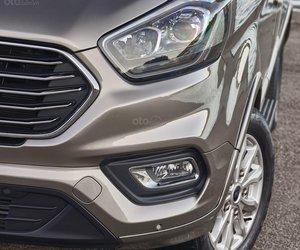 Đèn chiếu sáng trên Ford Tourneo 2019