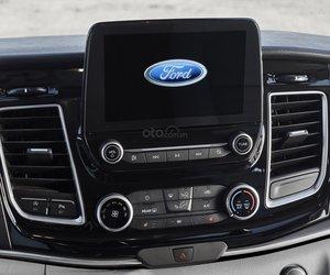 Ảnh màn hình thông tin Ford Tourneo 2019