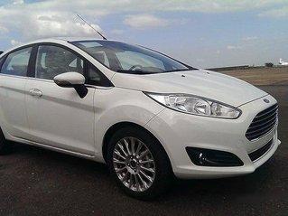 Cần bán Ford Fiesta Titanium sản xuất năm 2017, xe giá thấp, giao nhanh