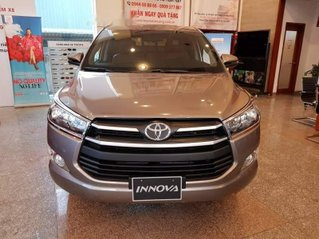 Cần bán Toyota Innova đời 2018, giảm giá tối đa
