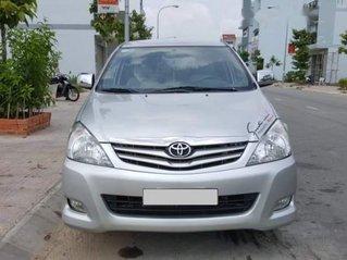 Cần bán gấp Toyota Innova sản xuất năm 2010, màu bạc, nhập khẩu còn mới, giá tốt