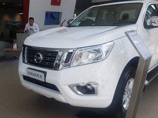 Giảm giá tối đa, Nissan Navara đời 2018, màu trắng