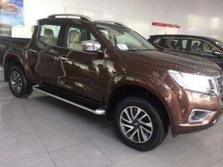 Thanh lý gấp chiếc xe Nissan Navara 2018, màu nâu, nhập khẩu