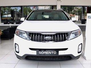 Cần bán xe Kia Sorento DATH 2018, màu trắng, giao xe nhanh