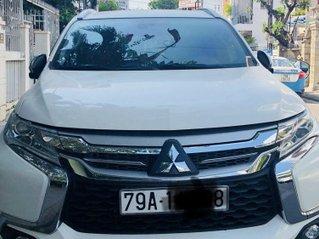 Cần bán gấp Mitsubishi Pajero Sport 3.0 AT 2016, xe chính chủ sử dụng