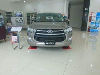 Cần bán xe Toyota Innova đời 2019, giá thấp, giao nhanh toàn quốc