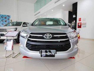 Bán Toyota Innova E MT sản xuất 2019, xe giá thấp, giao nhanh toàn quốc