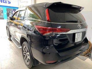 Cần bán Toyota Fortuner đời 2017, sơn zin