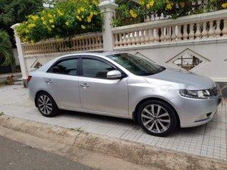 Bán ô tô Kia Forte sản xuất 2013, màu bạc còn mới giá cạnh tranh