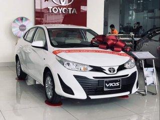 Cần bán xe Toyota Vios đời 2019, màu trắng, giao xe nhanh
