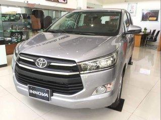 Cần bán xe Toyota Innova 2.0E năm 2019, 731tr