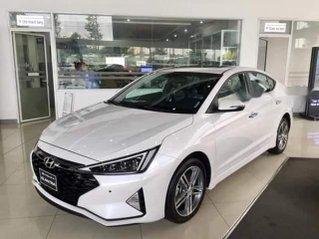 Cần bán xe Hyundai Elantra năm 2019, màu trắng, nhập khẩu giá cạnh tranh