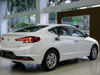 Bán xe Hyundai Elantra sản xuất năm 2019, màu trắng