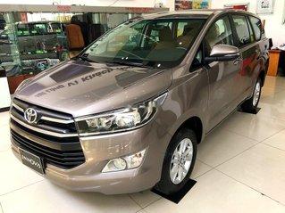 Bán ô tô Toyota Innova sản xuất 2019, màu nâu, 731 triệu