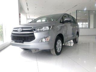Cần bán xe Toyota Innova 2.0E đời 2019, xe giá thấp, giao nhanh toàn quốc