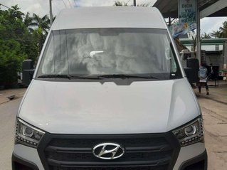 Bán xe Hyundai Solati năm 2019, màu bạc, nhập khẩu nguyên chiếc