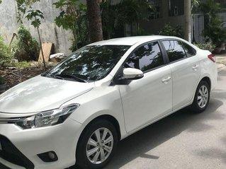 Cần bán xe Toyota Vios sản xuất năm 2017, màu trắng còn mới