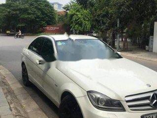 Cần bán Mercedes C200 sản xuất năm 2012, màu trắng chính chủ