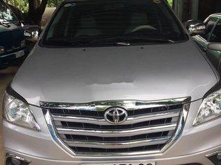 Gia đình bán xe Toyota Innova đời 2013, màu bạc