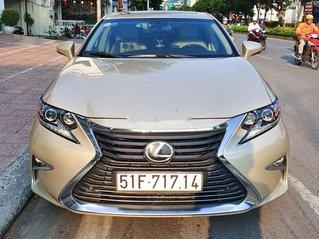 Cần bán xe Lexus ES sản xuất năm 2016, màu vàng, nhập khẩu còn mới