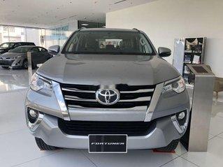 Bán Toyota Fortuner 2019, màu bạc. Ưu đãi hấp dẫn