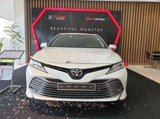 Bán xe Toyota Camry 2019, màu trắng, nhập khẩu nguyên chiếc