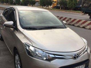 Bán Toyota Vios năm sản xuất 2018, màu vàng còn mới