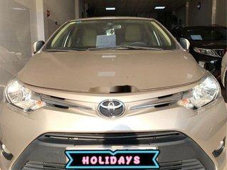 Bán Toyota Vios sản xuất năm 2017, màu vàng còn mới