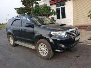 Cần bán lại xe Toyota Fortuner năm sản xuất 2013, màu đen