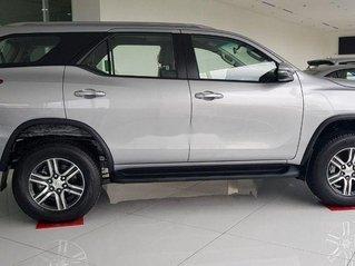 Bán ô tô Toyota Fortuner đời 2019, màu bạc