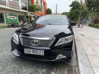 Cần bán xe Toyota Camry đời 2013, màu đen còn mới