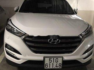 Cần bán gấp Hyundai Tucson đời 2018, màu trắng