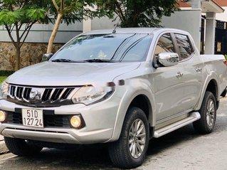 Bán Mitsubishi Triton 2017, màu bạc còn mới, giá tốt