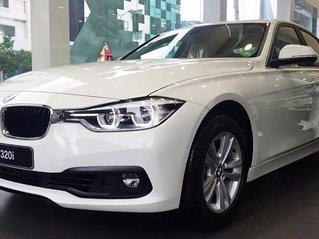 Cần bán BMW 3 Series 320i sản xuất năm 2018, nhập khẩu nguyên chiếc