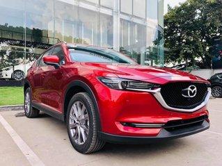 Bán nhanh với giá thấp chiếc Mazda CX 5 Premium 2019, màu đen, giao xe nhanh