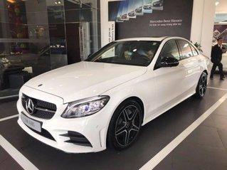 Cần bán xe Mercedes C300 AMG đời 2019, màu trắng, giao xe nhanh