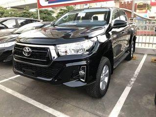 Bán xe Toyota Hilux năm 2019, màu đen, giá cạnh tranh thị trường