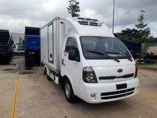 Cần bán Thaco Kia K200 thùng đông lạnh, màu trắng, nhập khẩu nguyên chiếc