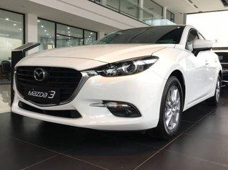 Bán ô tô Mazda 3 1.5L Sedan AT sản xuất 2019, màu trắng giá cạnh tranh