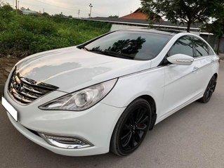 Cần bán Hyundai Sonata 2010, màu trắng, số tự động, giá chỉ 476 triệu