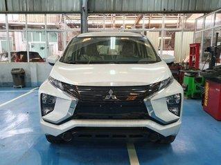 Bán xe Mitsubishi Xpander 1.5 AT năm 2019, màu trắng, nhập khẩu nguyên chiếc