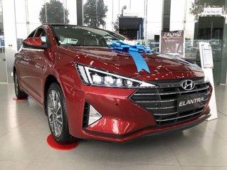Bán xe Hyundai Elantra 2.0 AT năm sản xuất 2019, màu đỏ