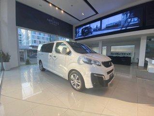 Bán xe sang Peugeot Traveller năm sản xuất 2019, màu trắng