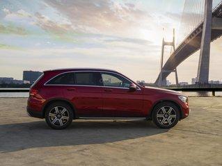 Bán xe Mercedes-Benz GLC200 4Matic 2020 - đủ màu, giao xe tháng 12/2020, lãi suất từ 0.66%/ tháng
