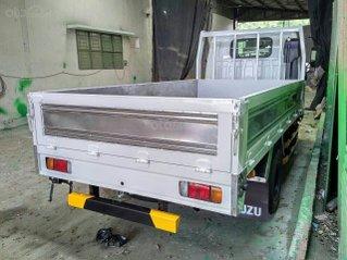 Isuzu thùng lửng 2.5 tấn, thùng dài 4.4m, KM tiền mặt 10.4tr, máy lạnh, 12 phiếu bảo dưỡng