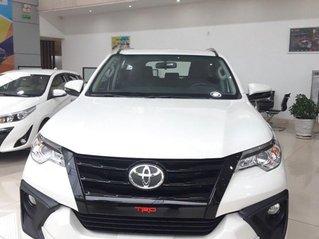 Cần bán Toyota Fortuner năm 2020, màu trắng