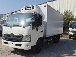 Xe tải Hino 5 tấn thùng đông lạnh